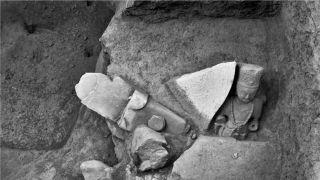 五台山附近发现佛像窖藏坑 有石刻造像34尊