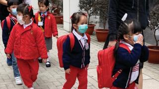 """香港""""夺命流感""""致226死 医院挤爆看病排队7小时"""