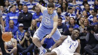 """一只耐克球鞋引发的惨案...大学篮球""""下一个乔丹""""很受伤"""