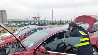 首批1600多辆特斯拉Model 3抵达上海