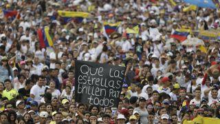 紧张升级 委内瑞拉巴西边境军民冲突致1人死亡