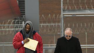 R&B天王凯利被保释出狱 神秘人为其支付抚养费