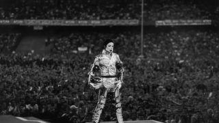 迈克尔·杰克逊的歌遭多国禁播 一部纪录片毁巨星?