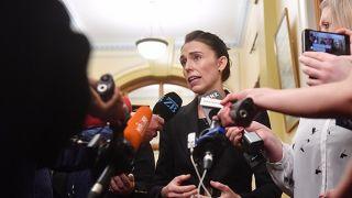 新西兰总理:禁止售卖所有军用半自动枪械和突击步枪