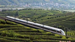 中国铁路实行新列车运行图 多条线路运行时间缩短