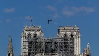 富豪为巴黎圣母院捐款却遭炮轰:这么有钱怎么不去帮穷人?