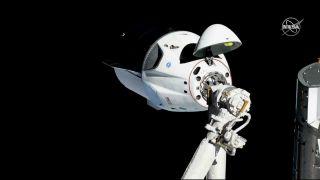 SpaceX测试发生事故 载人龙飞船几乎被摧毁