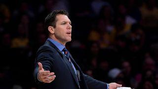 NBA主教练沃顿被指控性侵 体育记者多次遭其性骚扰