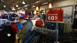 关税一涨再涨,节日季零售要遭殃?