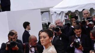 第72届戛纳电影节开幕 艾丽·范宁巩俐盛装亮相征战红毯