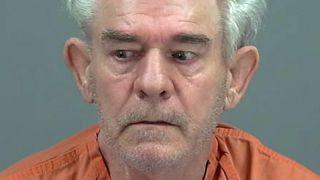"""70岁老翁亚利桑那被捕 携74岁妻子全裸尸体""""公路旅行"""""""