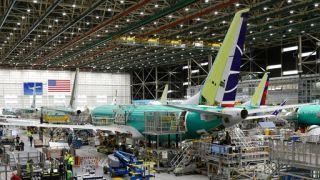 FAA预计737 Max更新工作很快完成 美航飞行员怒怼波音官员录音曝光