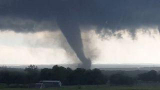200万人受影响!德州、俄克拉荷马州将遭灾难性龙卷风侵袭