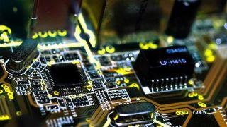 美芯片商难聘中国技术人才 许可证审批拖慢至6~8个月
