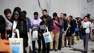 经济放缓但就业强劲 上周首领失业金人数意外下降