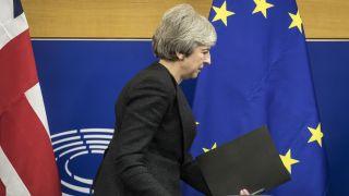 """脱欧僵局难破 英首相遭""""自己人""""反对面临辞职压力"""