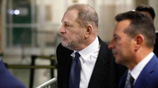 性侵指控庭审前 好莱坞大佬温斯坦与受害者达$4400万和解