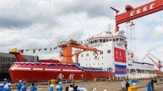 """中国""""雪龙2""""号极地科学考察破冰船完成倾斜试验"""