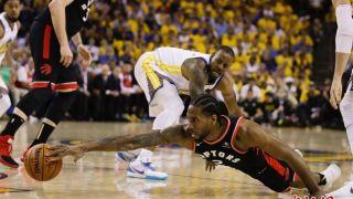 NBA总决赛战况胶着 猛龙客胜勇士总比分再度领先