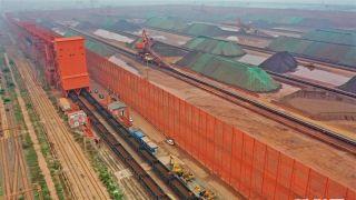 """河北曹妃甸港区推行""""公转铁"""" 上半年货物吞吐量超1.7亿吨"""