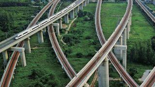 """中国16城跻身""""万亿俱乐部"""" 福州、济南、西安急了"""