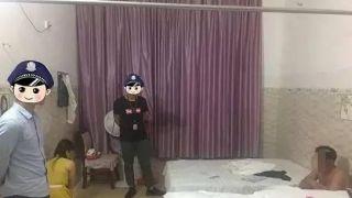 广西警方连端多个卖淫窝点 抓捕现场图曝光