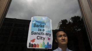 促性别包容 加州伯克利在市政法规替换这些单词