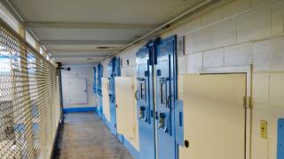 司法部践行刑事司法改革法 3100名联邦囚犯被释放