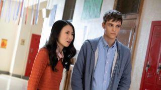 """华裔演员Annie Q.主演Hulu恐怖影集""""School Spirit"""" 8月2日正式上线"""
