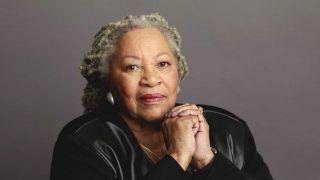 诺贝尔文学奖首位非裔女性得主 美国作家托尼·莫里森逝世