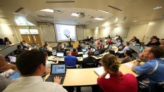 """STEM专业差距大 有的""""物超所值"""" 有的毕业生已经后悔了"""