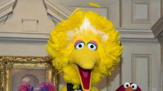 全世界最受欢迎的老爷爷去世了 芝麻街从此没了黄色大鸟