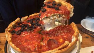 它是全美最好吃的披萨,你不来一块?