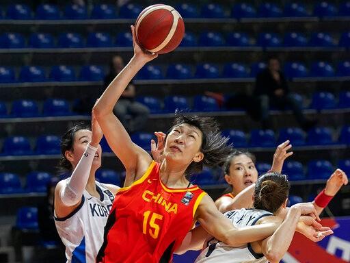 中国女篮100:60大胜韩国 三连胜收获奥运门票_图1-1