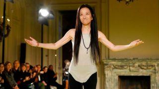 2020年纽约秋冬时装周 Vera Wang王薇薇品牌发布时装秀(多图)