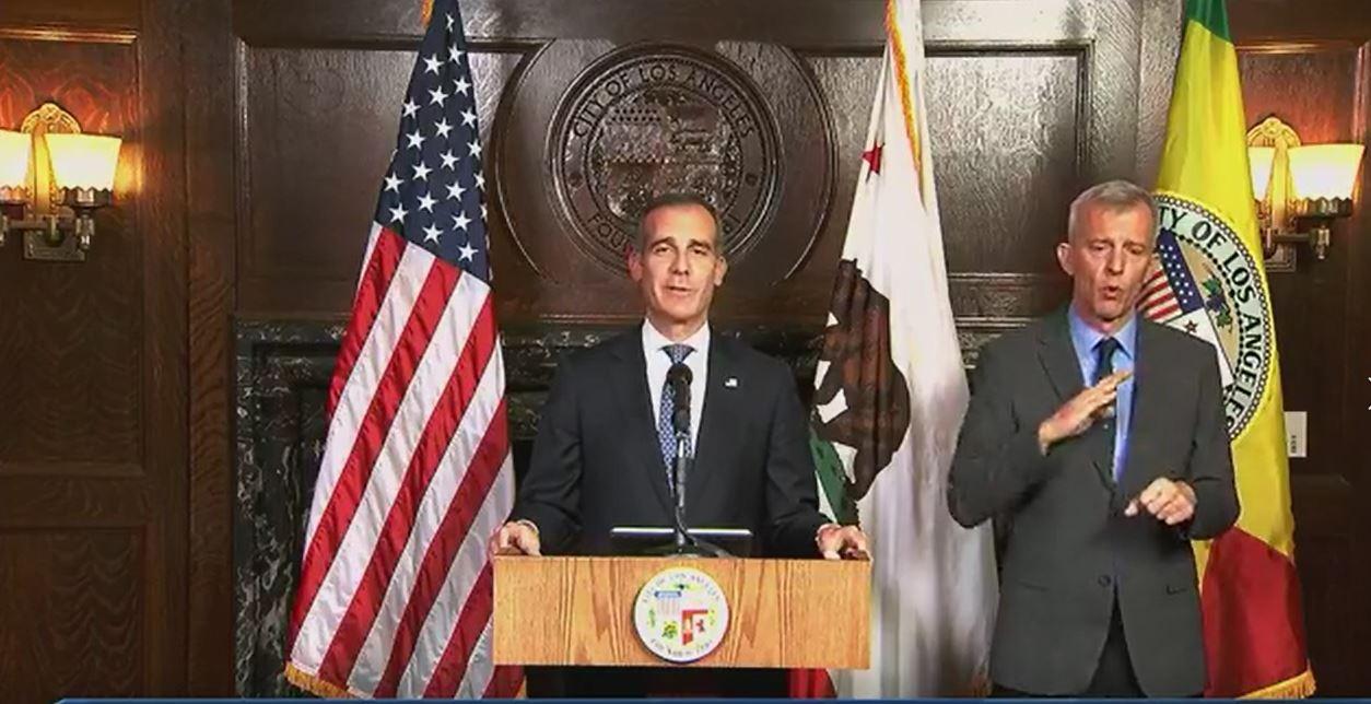 """""""不再开停车罚单""""! 洛杉矶将紧急状态升至最高级别_图1-3"""