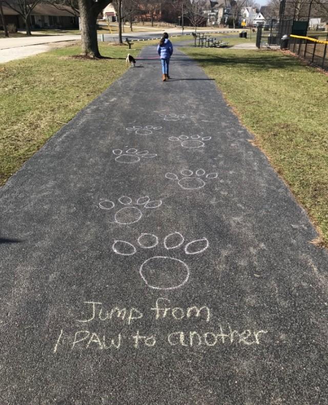 一幅幅粉笔画让你感受老师对学生的爱!