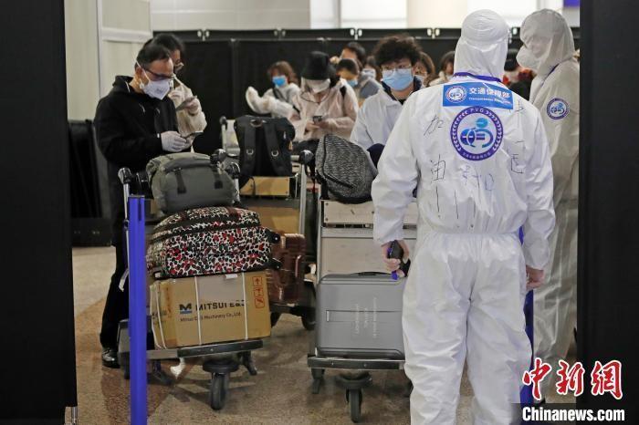 探访上海浦东机场 入境人员一律集中隔离观察