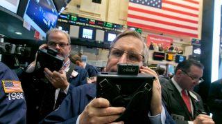 美国股市周一开盘将大幅上涨 道指期货上涨超700点