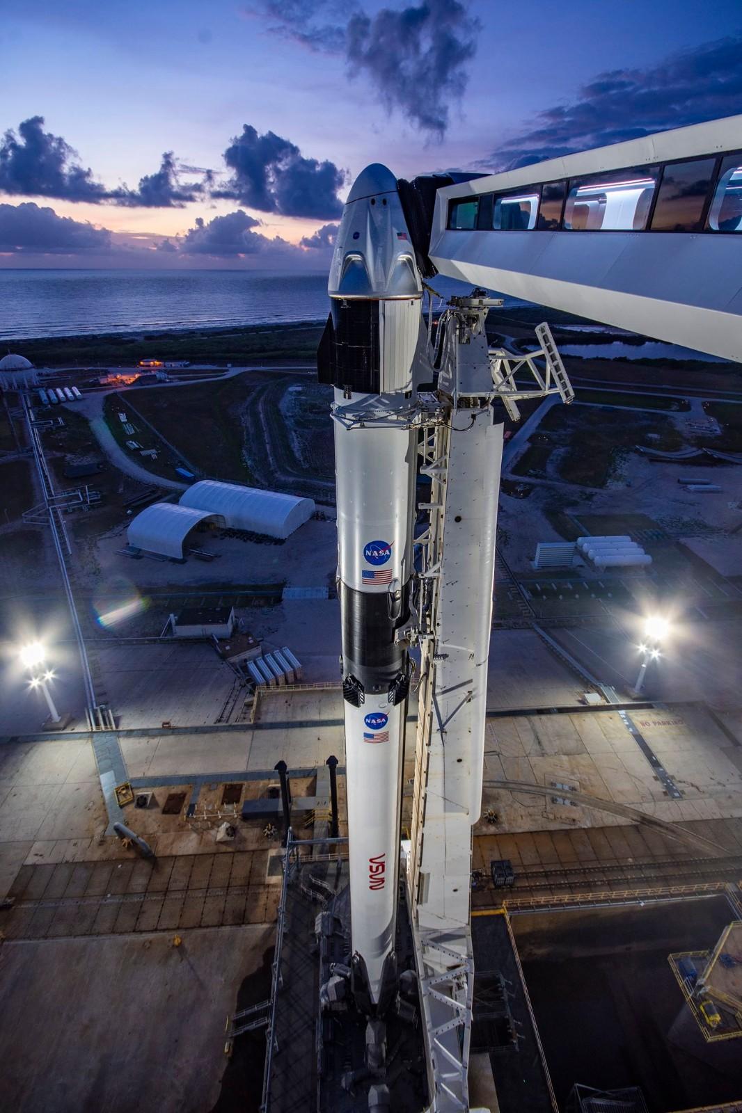 见证历史时刻到来!SpaceX载人龙飞船即将于周三发射_图1-3