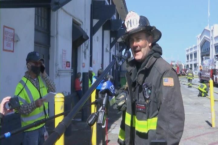 旧金山45号码头火灾 渔民损失数百万设备_图1-4