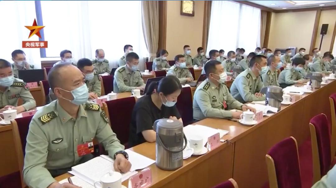 中国解放军和武警部队代表就涉港草案表态 字字铿锵_图1-2