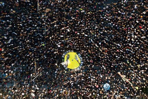 明市动荡造成5500万以上财产损失 多州抗议下考虑警改措施