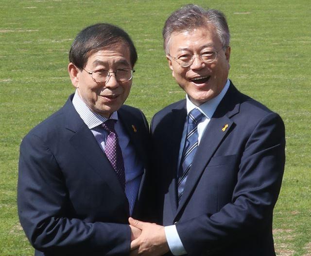 得知首尔市长身亡 文在寅:我俩缘分很长 太震惊了!