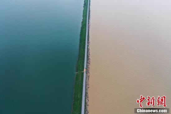 江西鄱阳湖水位将继续上涨 武汉汉口江滩首次全面过水行洪