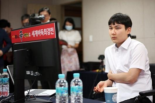 柯洁打碎朴廷桓传说 中国队第8次捧起农心杯_图1-2