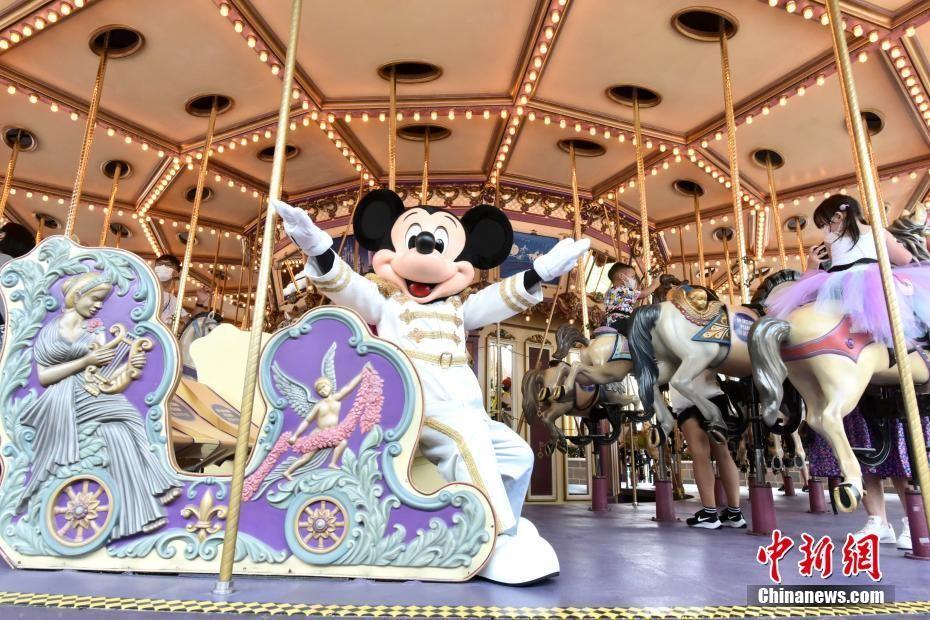 香港疫情放缓 迪士尼乐园再次重开