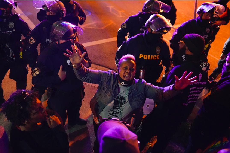泰勒案抗议骚乱持续 路易斯维尔爆发暴力冲突24人被捕