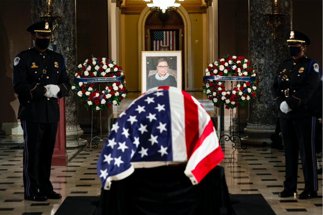 金斯伯格遗体在国会供公众瞻仰 成为第一位获此殊荣的公职女性