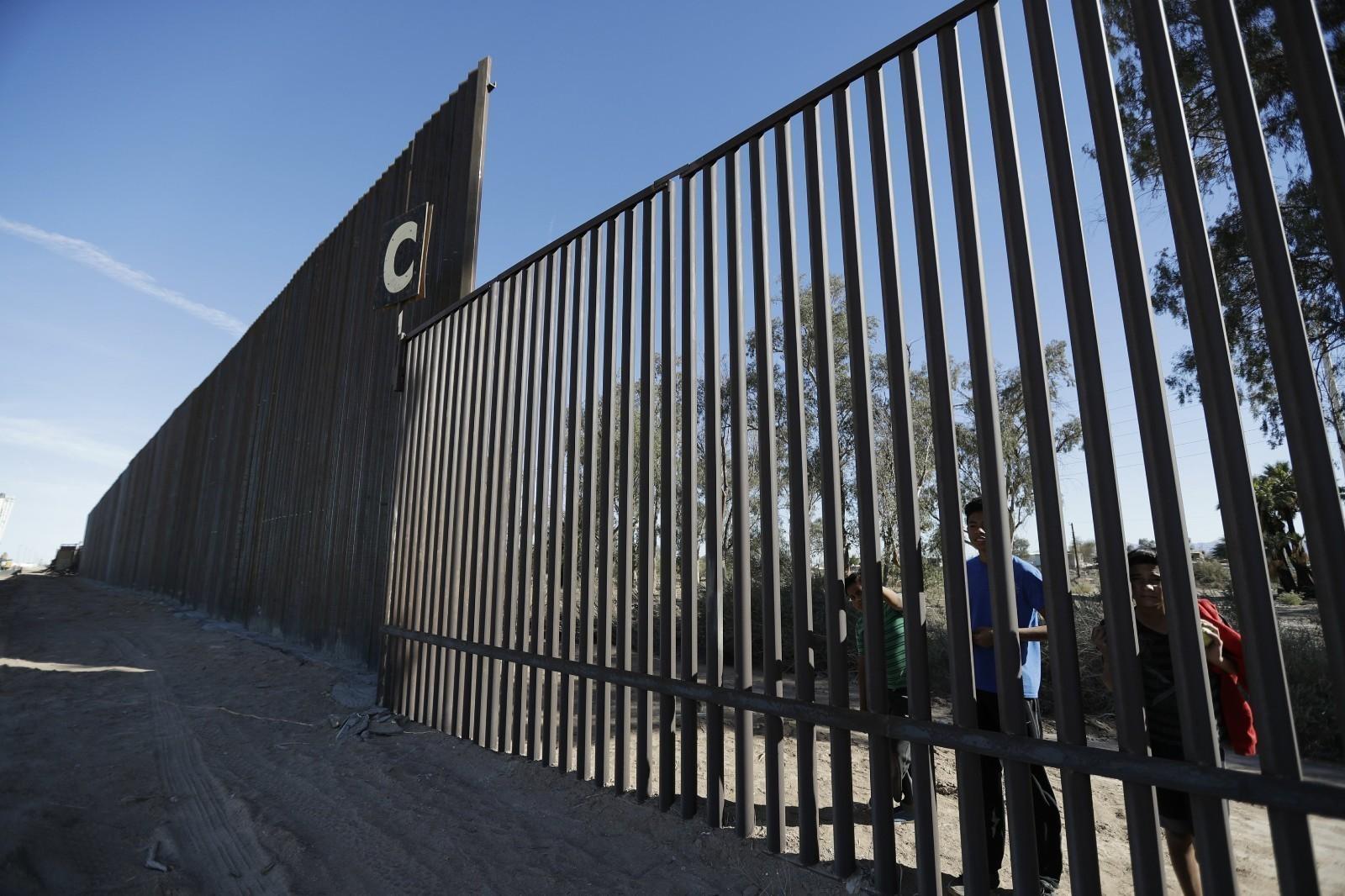 美墨边境移民儿童人数继续飙升 一天逮捕近800人_图1-1